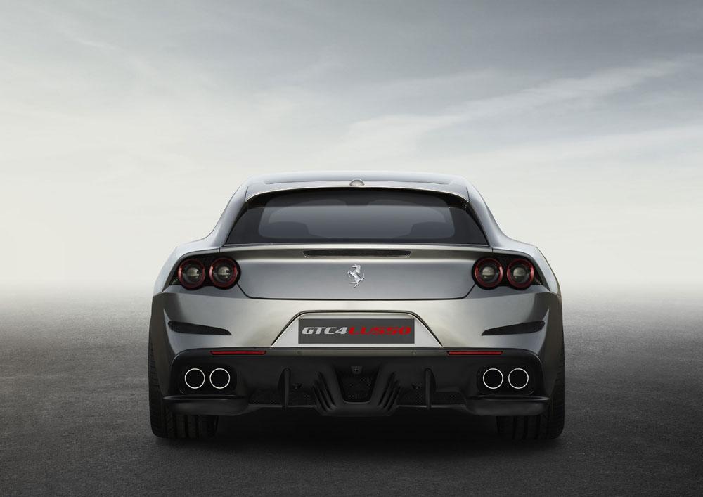 Ferrari_GTC4Lusso_2