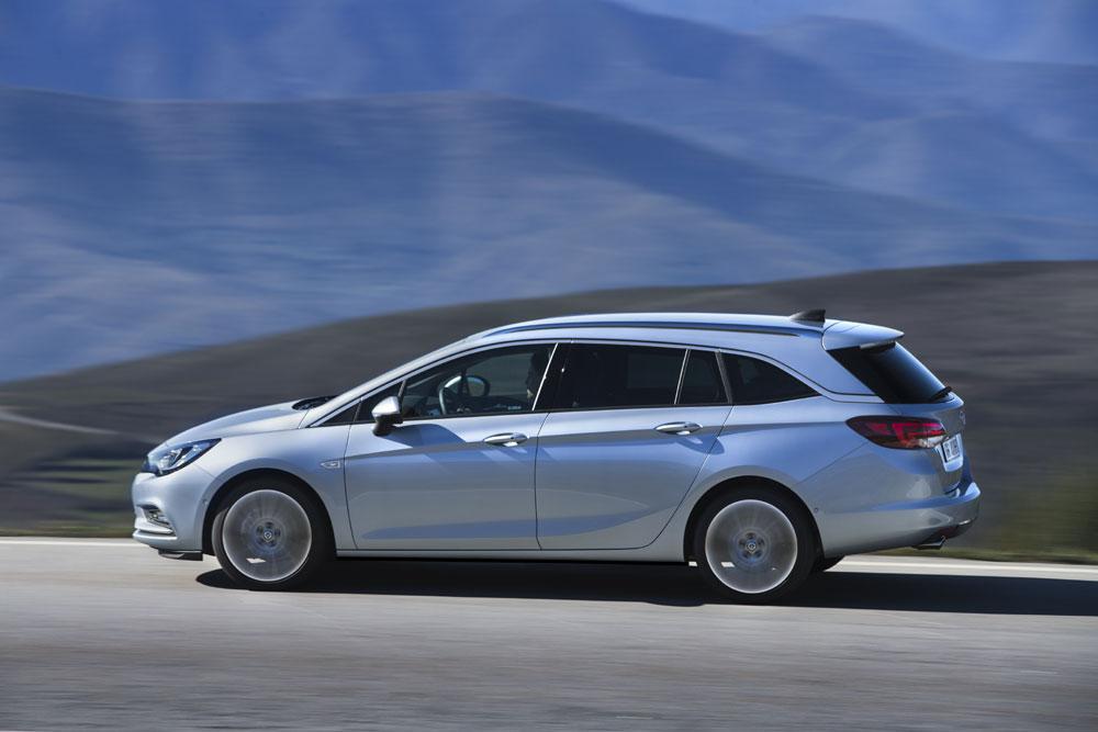 Opel-Astra-Sports-Tourer-3
