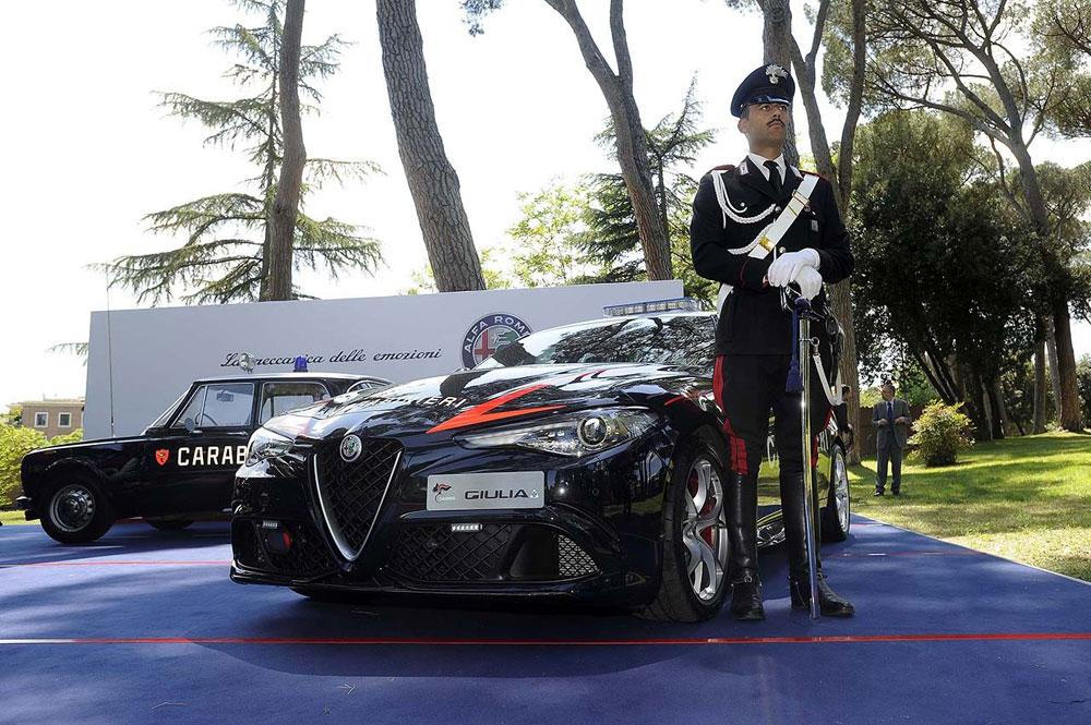 Consegna-Giulia-Carabinieri