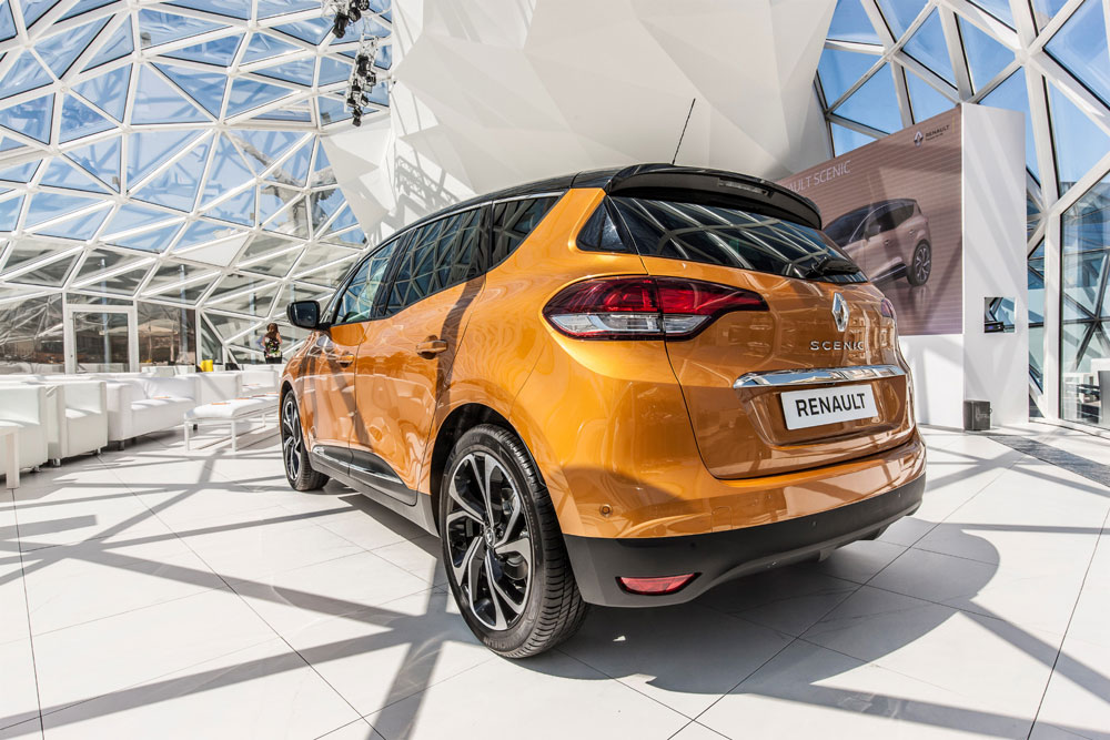 Renault_scenic4