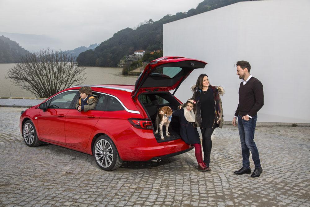 Opel-Astra-Sports-Tourer-4
