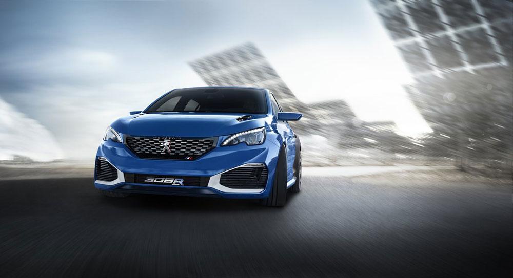 La Peugeot 308 R Hybrid associa un motore benzina a due motori elettrici ed è il modello icona di Peugeot nel settore della trazione alternativa